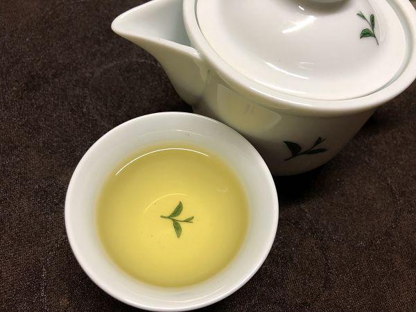 黃金甘露茶聞一下香氣,真的好香喔!喝下去馬上齒頰生香(喝茶後的分享文)