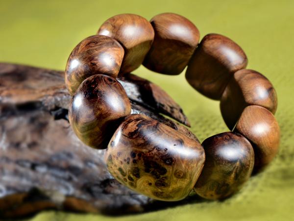 瘤花面的百年老檀排珠