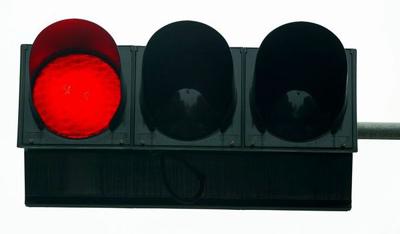 闖紅燈等同自殺
